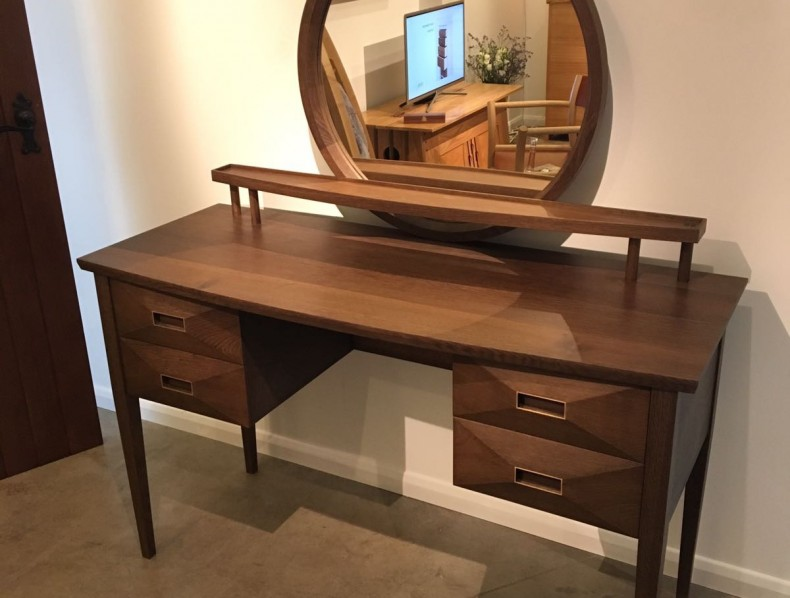 Fumed oak dressing table